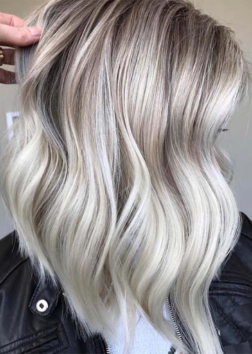 Medium Hairstyle for Women with Blonde Hair
