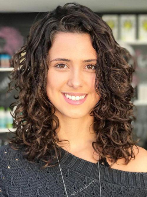 Medium Layered Cut for Loose Curls