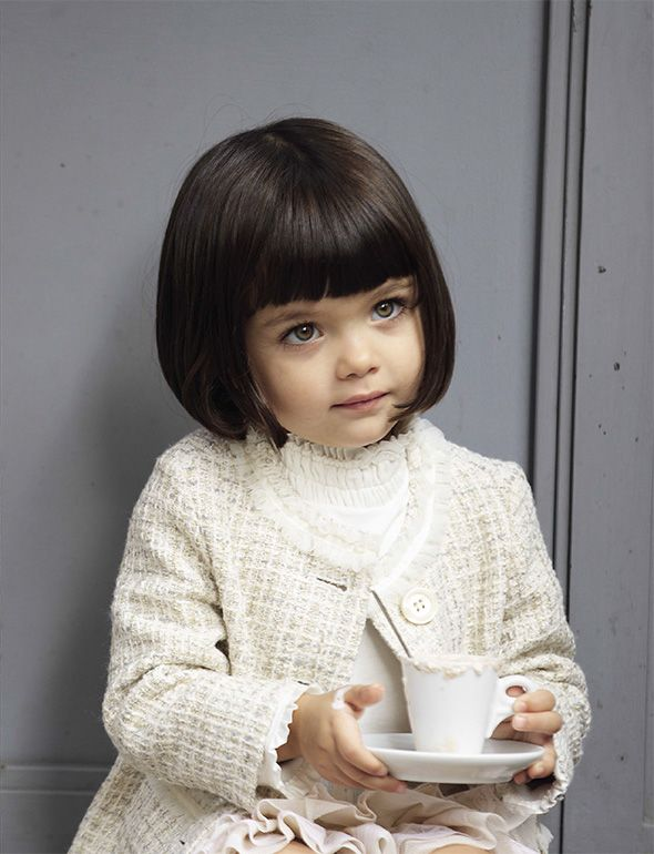Short Cute Girl Kid Un petit carré frangé pour des cheveux