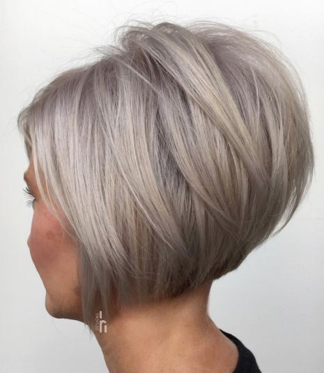 Short Inverted Bob with Angled Layers
