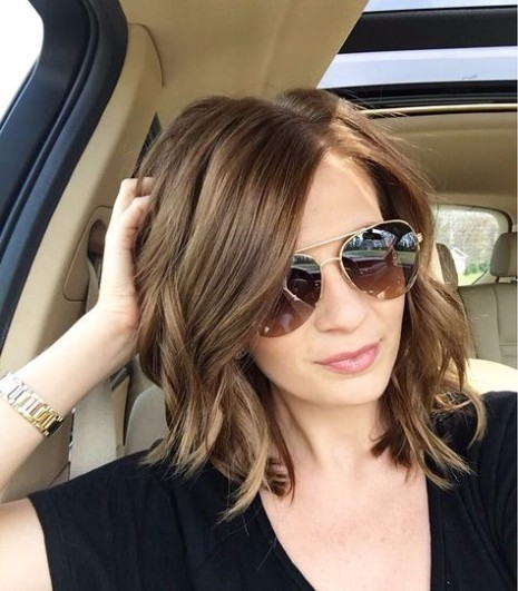 Shoulder Length Hair with Messy Waves