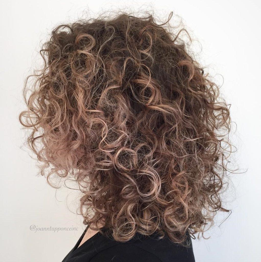 Soft Curls with Subtle Balayage