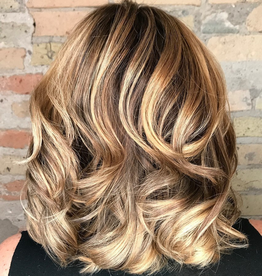 Stunning Shoulder Length Hairstyle