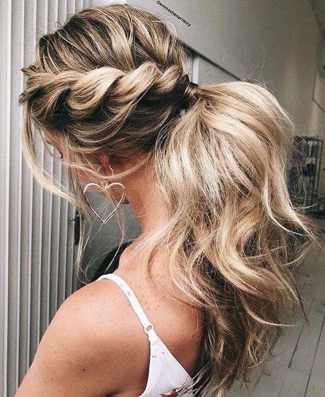 Voluminous ponytail