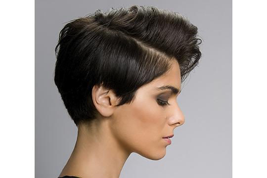 Women's half-box haircut Round face