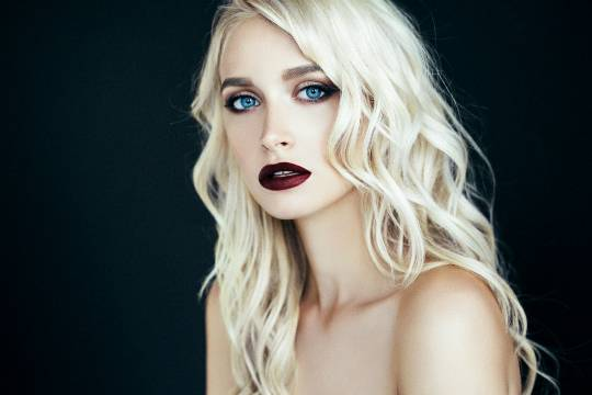 coloring hair care for blondes