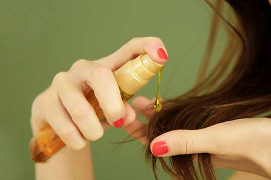 What is hair oil for?