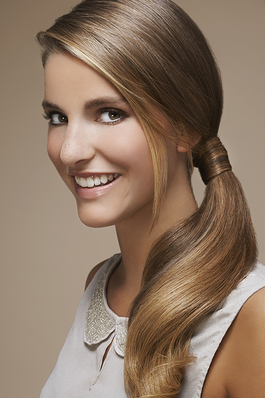 how to make a ponytail without an elastic band for long hair
